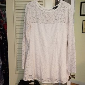 White lace long sleeve maternity top